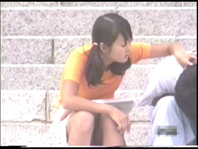 <パンツちら無断撮影映像>魅惑のデルタゾーンVol2私服編6